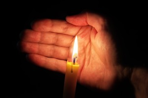 candlelightvigil_shutterstock_gos